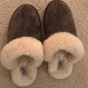 Shoes - Ugg slippers